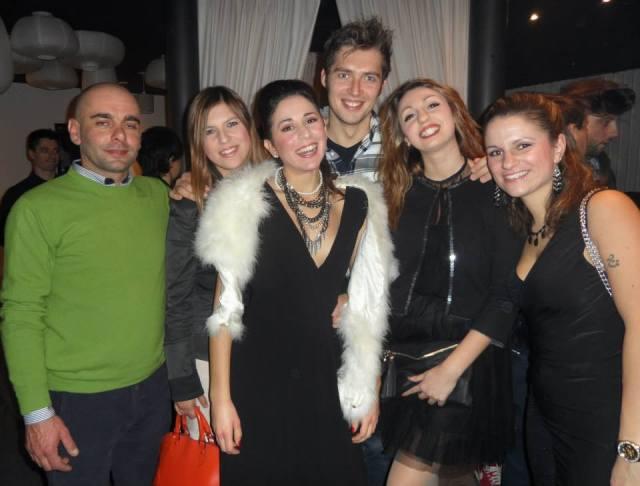Sharon Alario con amici